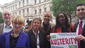 Des parlementaires travaillistes ont rejoint les manifestants contre l'austérité