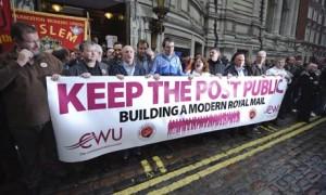 La dernière grande grève date de 2014 quand les syndicats se sont opposés à la privatisation du service public postal.