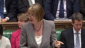 La chef par intérim du Labour, Harriet Harman, penche à droite...