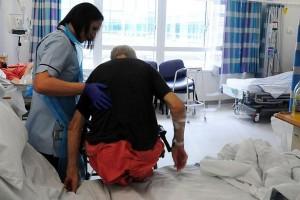 Selon le Royal College of Nursing, les coupes budgétaires vont aggraver les inégalités en matière de santé.