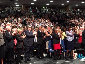 Standing ovation pour Corbyn