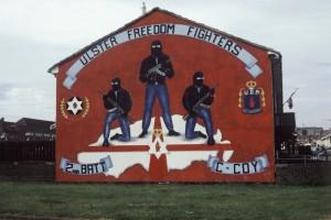 Les paramilitaires unionistes aussi restent actifs