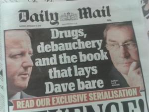 Les tabloids se déchaînent