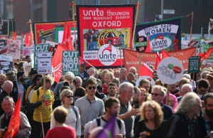 Manifestation monstre contre la politique des tories