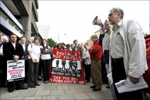 Corbyn sur un piquet de grève