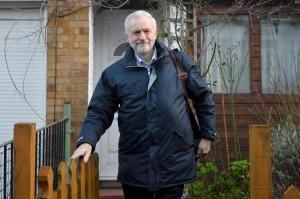 Jeremy Corbyn seul à la manoeuvre
