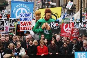 Sturgeon ouvre la marche contre les missiles Trident