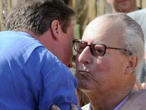 Ian Cameron, père du Premier ministre, figure dans les petits papiers de Panama