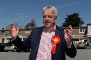 Le travailliste Carwyn Jones devrait retrouver son poste de Premier ministre