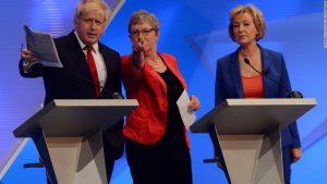 Andrea Leadsom (droite) veut fédérer les soutiens de Johnson